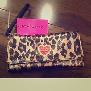 Betsey Johnson cheetah trifold wristlet wallet